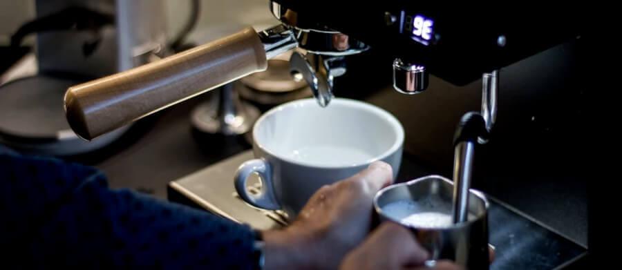 Автоматичні кавомашини для дому