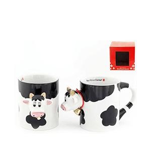 Чашка с коровой снаружи, черно-белая