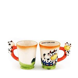 Чашка цветная с коровой на ручке