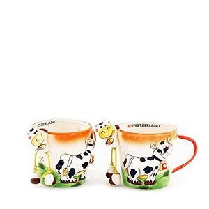 Чашка цветная с рельефом коровы