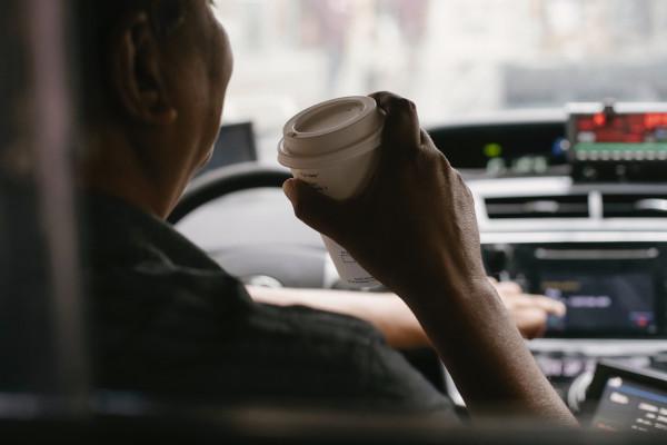 Автомобильные кофеварки: что это и как использовать
